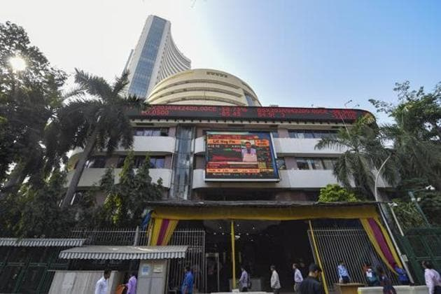 A view of the stock prices displayedoutside BSE building in Mumbai.(PTI)
