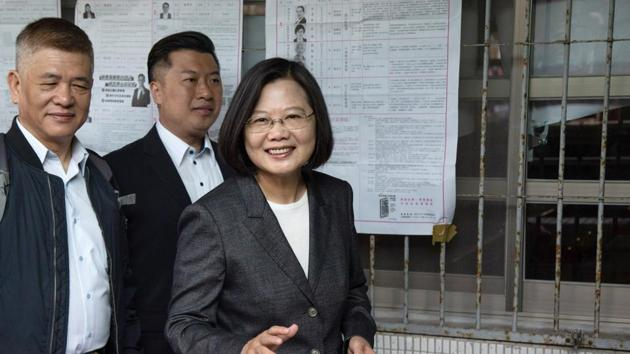 Taiwan's president, Tsai Ing-wen, arrives at a polling station during a presidential and legislative election in Taipei, Taiwan.(Bloomberg)
