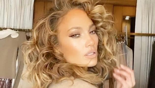 Unconventional beauty trends are quite popular among celebrities.(Instagram/ jlo)