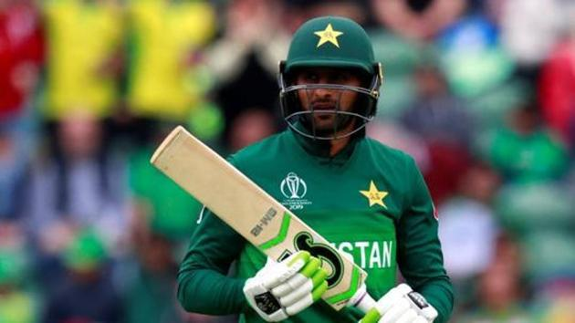 Pakistan's Shoaib Malik reacts after losing his wicket.(Action Images via Reuters)