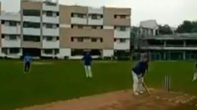 Chief Justice of India Sharad Bobde on Sunday enjoyed a game of cricket in Nagpur(ANI/Twitter)