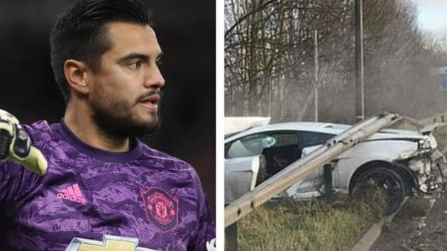 Manchester United goalkeeper in car accident.(Reuters/Twitter)