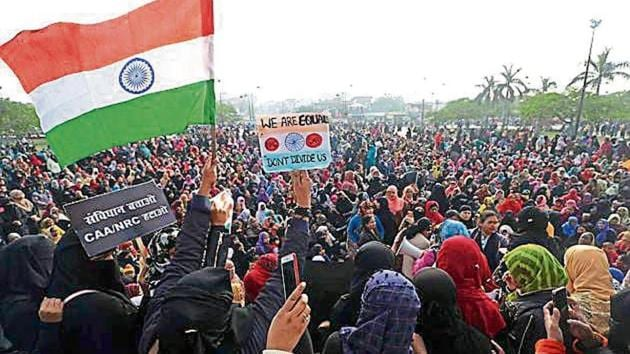 Poet Munawwar Rana's daughters among 16 held for anti-CAA protests in Lucknow