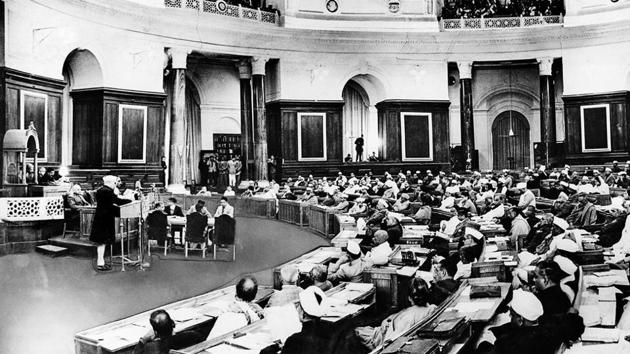 Jawaharlal Nehru addresses the Constituent Assembly in 1947.(Getty Images)