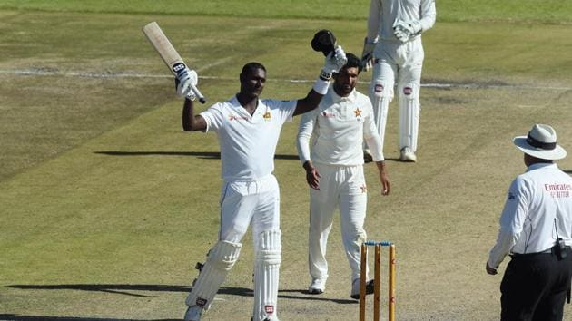 Sri Lanka batsman Angelo Mathews celebrates after scoring 200 runs against Zimbabwe at Harare Sports Club.(AP)
