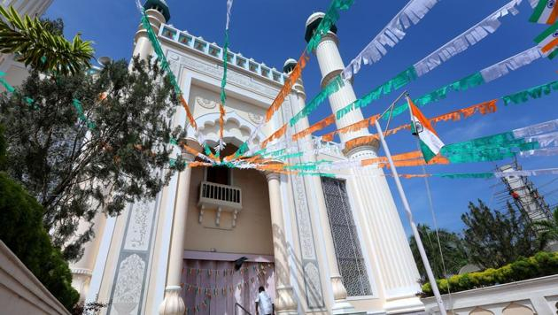 The Palayam Juma Masjid in Thiruvananthapuram, one of the oldest mosques in Kerala, decked up on Republic Day.(Vivek Nair/HT Photo)