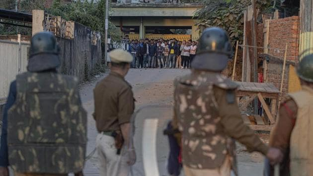 Protestors and police face off during a curfew in Gauhati. Image used for representational purpose only.(AP)