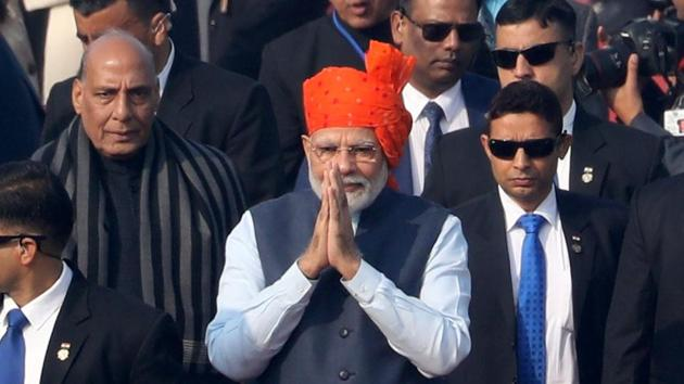 PM Modi asked listeners to make little progress every day and tweet their initiatives to promote the resolutions taken on Mann ki Baat.(Bloomberg)