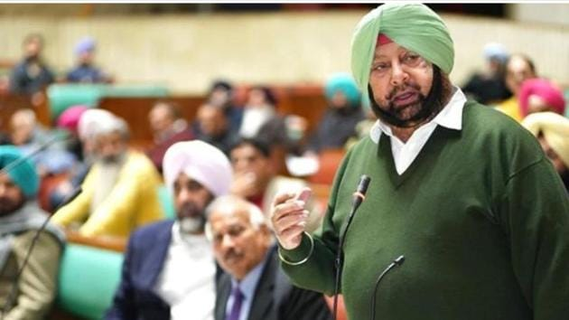 """Punjab chief minister Capt Amarinder Singh making a point during the recent special assembly session in Chandigarh. Before coming to power in 2017, the Congress had announced in its manifesto that to """"encourage and incentivise"""" youngsters to use digital technology, it would distribute free smartphones.(Twitter)"""