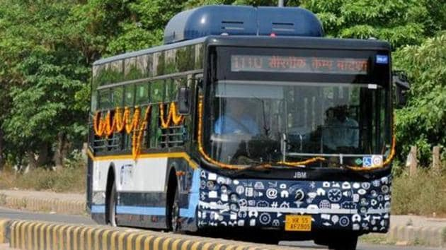 Of the newly launched bus routes, three of them, namely Route 111E, Route 116E and Route 122, will help increase the connectivity between established transport hubs.(HT FIle Photo)