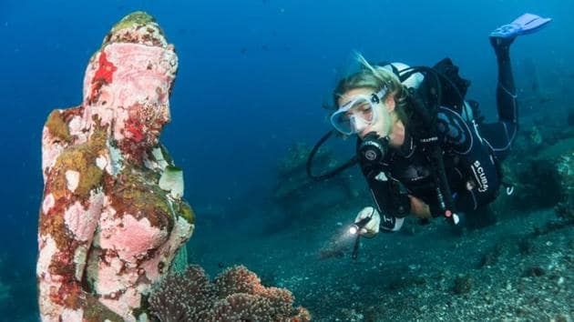 Greece aims to exploit untapped tourism revenue by allowing diving for post-19th century shipwrecks in the near future.(UNSPLASH)