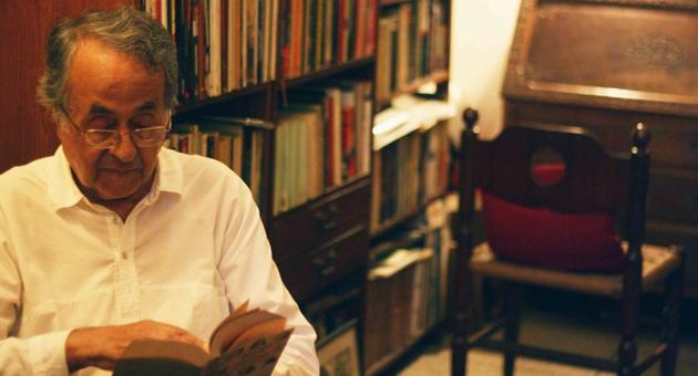 Krishna Prasad Jain is a retired professor of physics who has never counted the books in his library.(HT Photo)