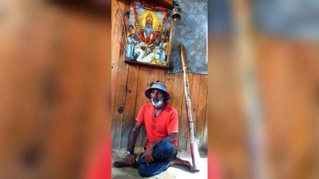 Mukesh Dhiman in his studio with Didgeridoo in Rishikesh.(Mukesh Dhiman)