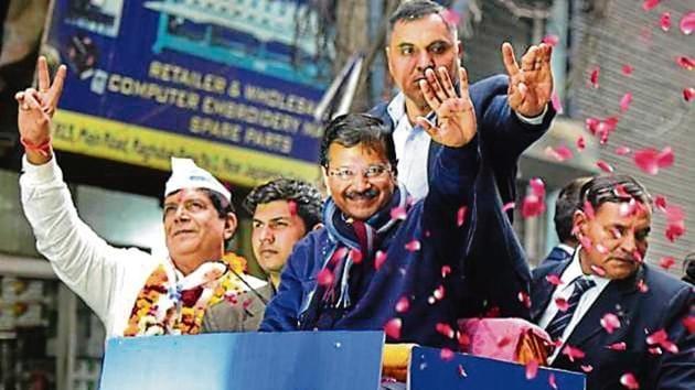 Delhi chief minister Arvind Kejriwal during a road show in east Delhi's Gandhi Nagar, ahead of Feb 8 Assembly Election, Jan 27, 2020.(HT Photo)