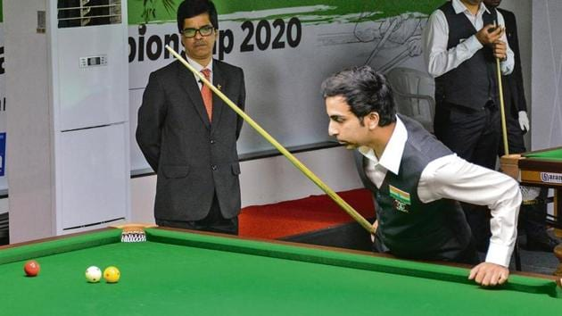 Pankaj Advani in action at the PYC Hindu Gymkhana on Tuesday.(HT Photo)