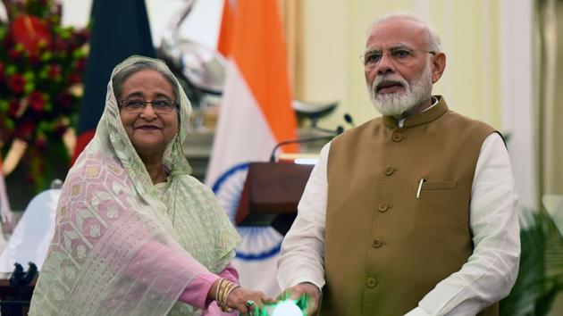 Prime Minister Narendra Modi and Bangladesh Prime Minister Sheikh Hasina jointly inaugurate three Bilateral Projects, at Hyderabad House, in New Delhi.(Mohd Zakir/HT PHOTO)