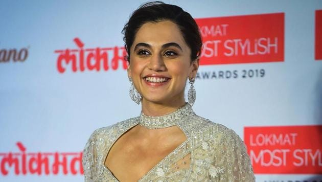 Taapsee Pannu attends the Lokmat Most Stylish Awards, in Mumbai.(PTI)