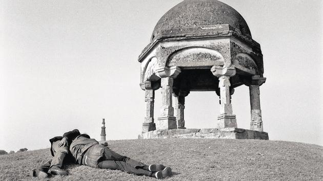 Delhi,c.1982.(Image courtesy: Sunil Gupta and Hales Gallery, Stephen Bulger Gallery and Vadehra Art Gallery. © Sunil Gupta. All Rights Reserved, DACS 2020)