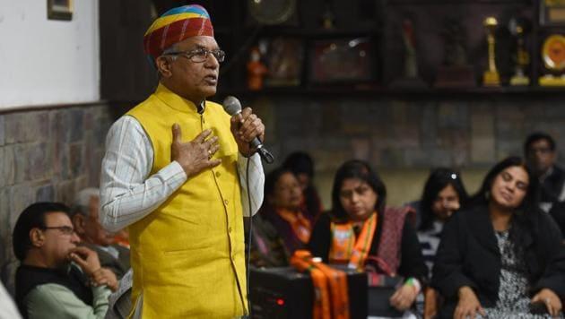 Narayan Lal Panchariya addressing a Nukkad Sabha as part of BJP Rajouri Garden candidate Ramesh Khanna's election campaign.(Sanchit Khanna/HT PHOTO)