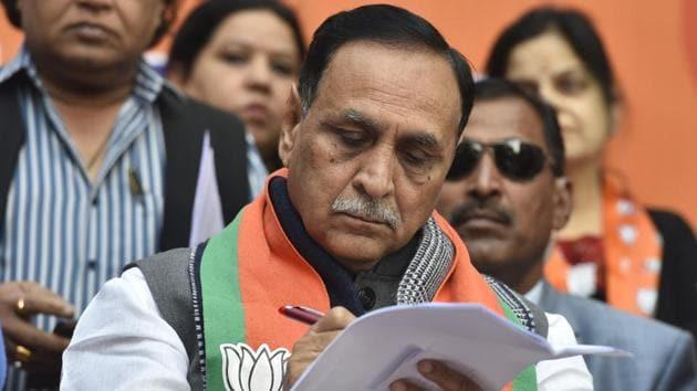 Gujarat Chief Minister Vijay Rupani during a Nukkad Sabha at M Block, Shastri Nagar in New Delhi.(Sanjeev Verma/HT PHOTO)