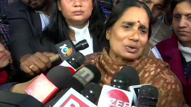Asha Devi, mother of the gangrape victim speaks after the execution of the rape convicts was stayed(ANI Photo)