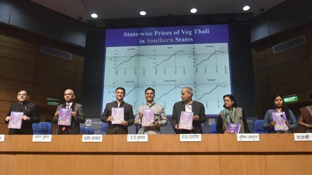 Chief Economic Adviser Krishnamurthy V Subramanian (4L), Principal Economic Adviser Sanjeev Sanyal (3L) and others present the Economic Survey 2019-20 during a press conference, in New Delhi.(PTI)