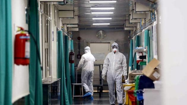 Medical staff at isolation ward where 3 suspect patients admitted in the doubt of Coronavirus who return from various areas of China in New Delhi on Tuesday.(ANI File Photo)