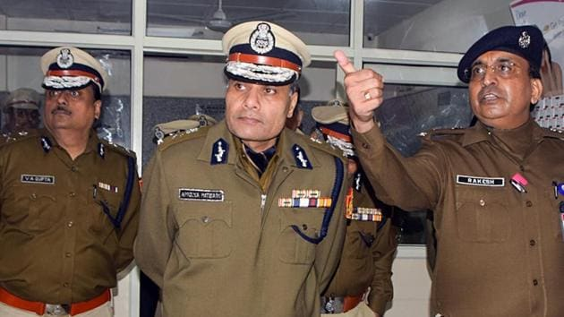 Delhi Police Commissioner Amulya Patnaik interacts with police personnel as he inspects subsidiary Central Police Canteen, in New Delhi on January 2, 2020.(ANI Photo)