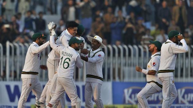 Pakistan vs Bangladesh highlights: Follow updates and full scorecard of PAK vs BAN 1st Test at Rawalpindi.(AP)
