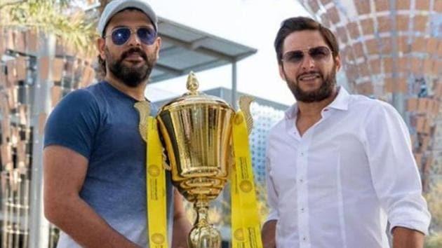 Yuvraj Singh (L) with Shahid Afridi.(Instagram)