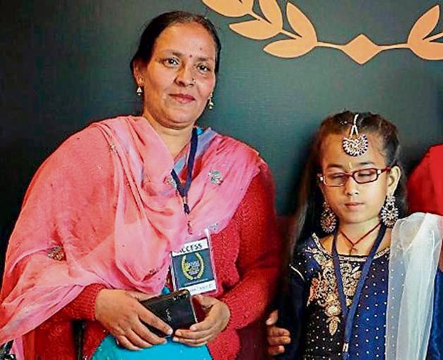 Neelam Sharma (left) and her student, 13-year-old Prerna Sharma, in happier times.(HT PHOTO)