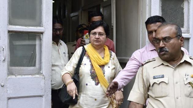 Urvashi Chudawala'smother steps out from Azad Maidan Police station after an FIR citing sedition was filed at the Azad Maidan police station in Mumbai.(Satish Bate/HT Photo)