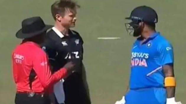 James Neesham and KL Rahul engage in a conversation.(Twitter)