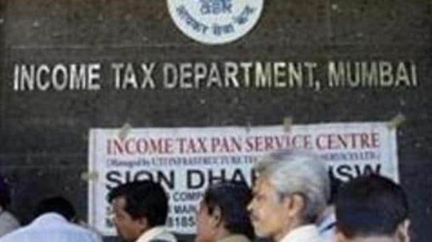 The sharing of information between the I-T dept and Sebi will be under three broad heads: request-based exchange of data, suo moto and automatic.(HT File)
