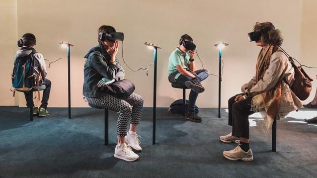 Emotional storyline can reduce virtual reality cybersickness.(Unsplash)