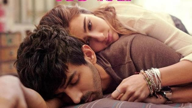 The biggest challenge for Love Aaj Kal's Zoe (Sara Ali Khan), a Delhi-based woman in her 20s, is balancing her career and a romantic relationship.