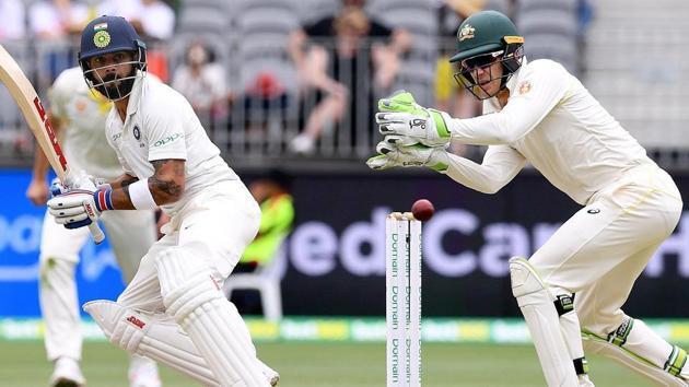 India captain Virat Kohli against Australia captain Tim Paine.(Reuters)