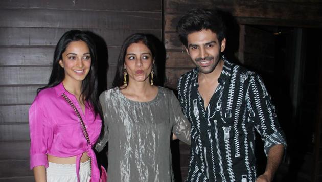 Kiara Advani, Tabu and Kartik Aaryan at the Bhool Bhulaiyaa 2 house party.(Varnder Chawla)