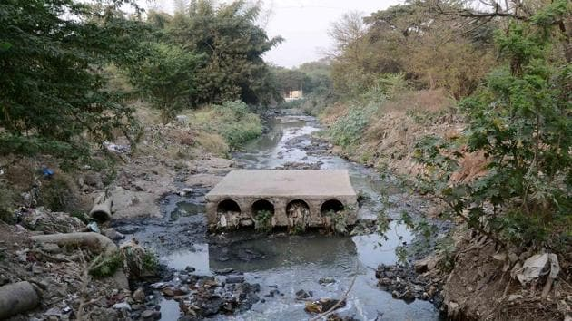 Various non governmental organisations (NGOs) have raised serious concerns over a proposal by the Pune Cantonment Board (PCB) to concretise the Bhairoba nallah (stream).(Ravindra Joshi/HT PHOTO)