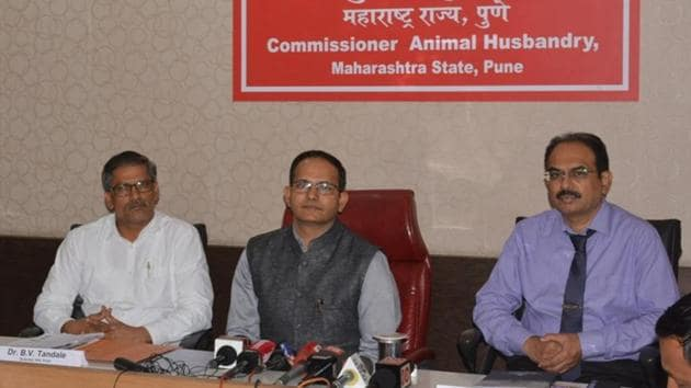 (From left) BN Tandale, scientist, NIV; Sachindra Pratap, commissioner, animal husbandry department and Dr Rajesh Karyakarte, dean, Sassoon hospital during the press conference on Thursday.(HT PHOTO)
