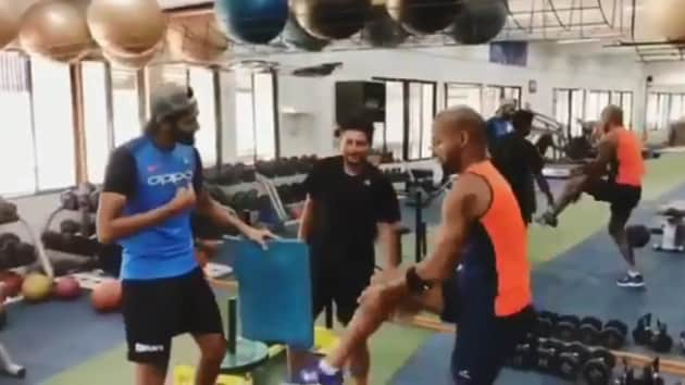 Shikhar Dhawan with Khaleel Ahmed and Kuldeep Yadav.(Screengrab)