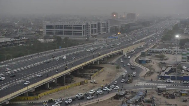 The expressway that will reduce the travel time between the two cities from 5 to 2.5 hours. Image used for representational purpose only.(HT file photo)