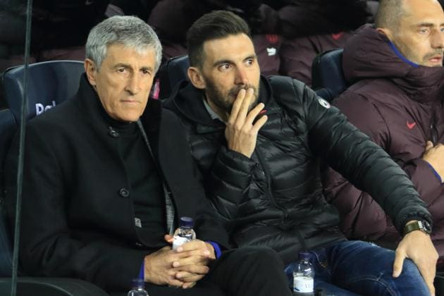 Barcelona coach Quique Setién(La Liga Image)