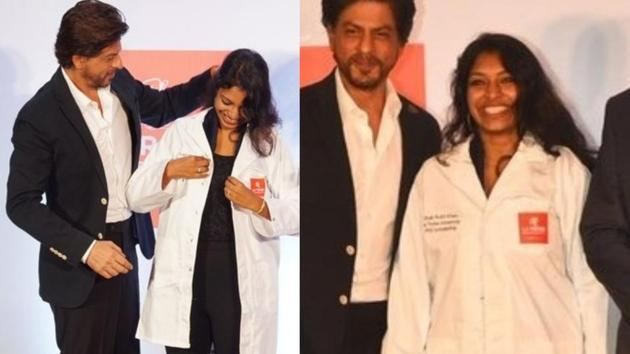 Shah Rukh Khan helped the PhD winner when her hair was caught in her coat.