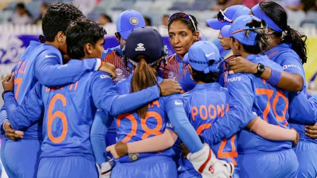 In this photo sourced from ICC, Indian Women's cricket team captain Harmanpreet Kaur speaks to the huddle during the ICC Women's T20 Cricket World Cup match(PTI)