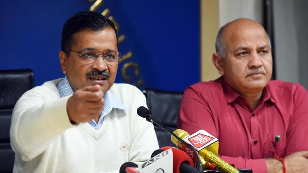Delhi Chief Minister Arvind Kejriwal and Deputy CM Manish Sisodia during a press conference where Kejriwal announced the 'Farishte' scheme for those affected by the recent communal violence, at Delhi Secretariat in New Delhi.(Mohd Zakir/HT PHOTO)