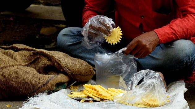 The state had banned the use of disposable plastic items, including plastic bags, cups, spoons, plates, tiffin containers, etc, in March 2018. The ban came into effect on June 23, 2018.(Bachchan Kumar/ Hindustan Times)