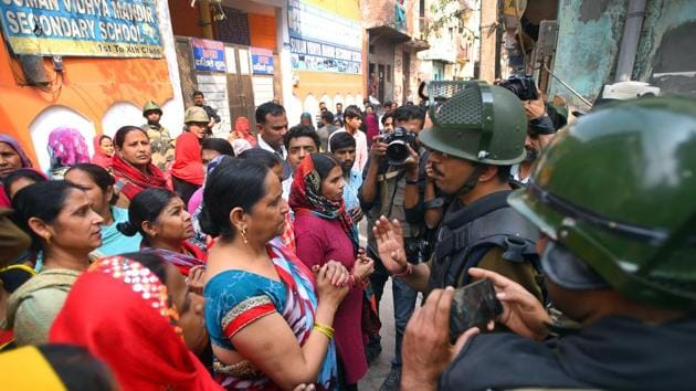 Questions are being asked as to why Delhi Police, controlled by the federal home ministry, did not do enough to prevent the riots. Questions have also been raised on hate speech and rhetoric that may have created an environment conducive to the violence.(Amal KS/HT PHOTO)