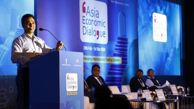 K Subramanian, India's economy advisor, speaks at the JW Marriot, on Friday. The three-day event this year runs along the theme of 'Asia and the Emerging international Trade System.'(Rahul Raut/HT PHOTO)