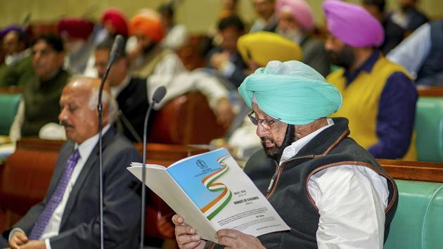 Punjab Chief Minister Captain Amarinder Singh during sixth day of Budget session of Punjab Vidhan Sabha in Chandigarh.(PTI)